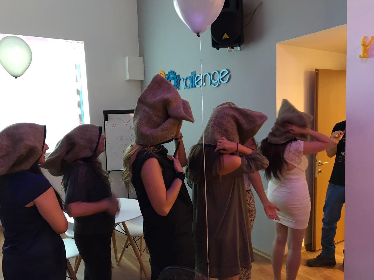 מסיבת רווקות מושלמת מתחילה בצ'אלנג' - חדר בריחה, לובי אירועים, מקום לשתות ולהשתולל והרבה הפתעות נוספות
